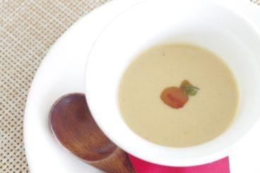 ベルヴュランチ(全7品) 小さなタルブ産アリコ・ココのなめらかなヴルーテ ソシソン・セックオイル風味
