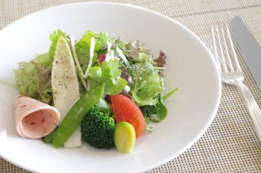 パスタランチ 糸島野菜とシャルキュトリのサラダ