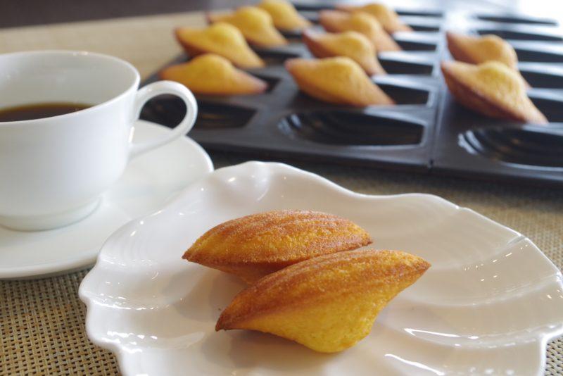 プレジールランチ オレンジの香り豊かな焼き立てマドレーヌ