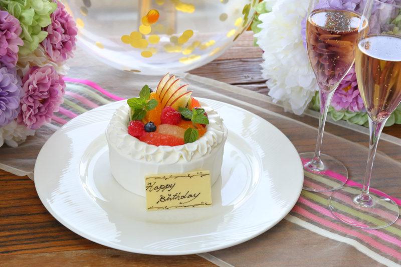 アニバーサリーランチ A 季節のフルーツの生クリームケーキ(12㎝)