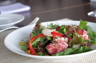 デクパージュ ムニュ クラシック ブルターニュで水揚げされたオマール・ブルーのサラダ