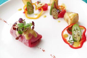 ムニュ ブイヤベース プリム(全6品・秋) 博多牛と秋茄子、トマトのサラダ仕立て 生姜の香り