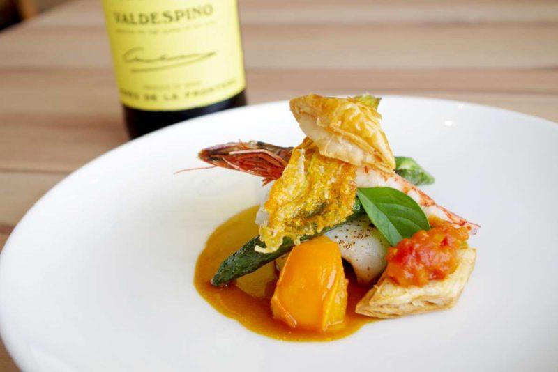 テロワール 長崎産アナゴ、小海老、夏野菜 トマトチャツネを携えたフルロン添え スウィーツシェリー香るスープ・ド・ポワソンのソースで