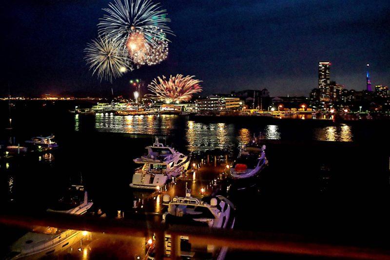 【8/15限定】姪浜花火大会ファミリーブッフェ お食事会場に併設するテラスは花火大会の特等席です