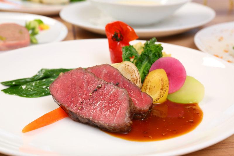 Menu Chef Bコース 赤崎牛 香ばしくグリエして地元野菜とマスタードソースを添えて