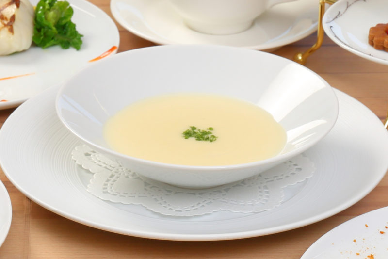 Menu Étoilé 【8/9~15限定メニュー】 ホテル特製季節のスープ