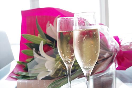 アンジュ プリム[ホールケーキ・花束・乾杯スパークリングワイン付] スパークリングワイン