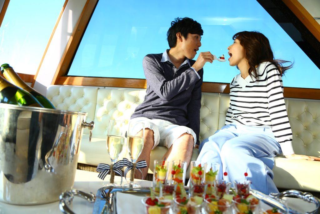 海の上でHappy Birth Day 季節のオードブルを船内で
